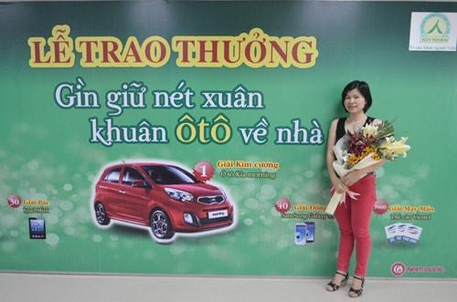 Chi-Thuy-Vi-nhan-giai-Vang