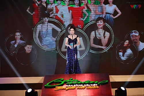 Bà Dương Thị Sáu tổng giám đốc công ty thực phẩm Ích Nhân, đại diện nhãn hàng Bảo Xuân phát biểu tại chương trình