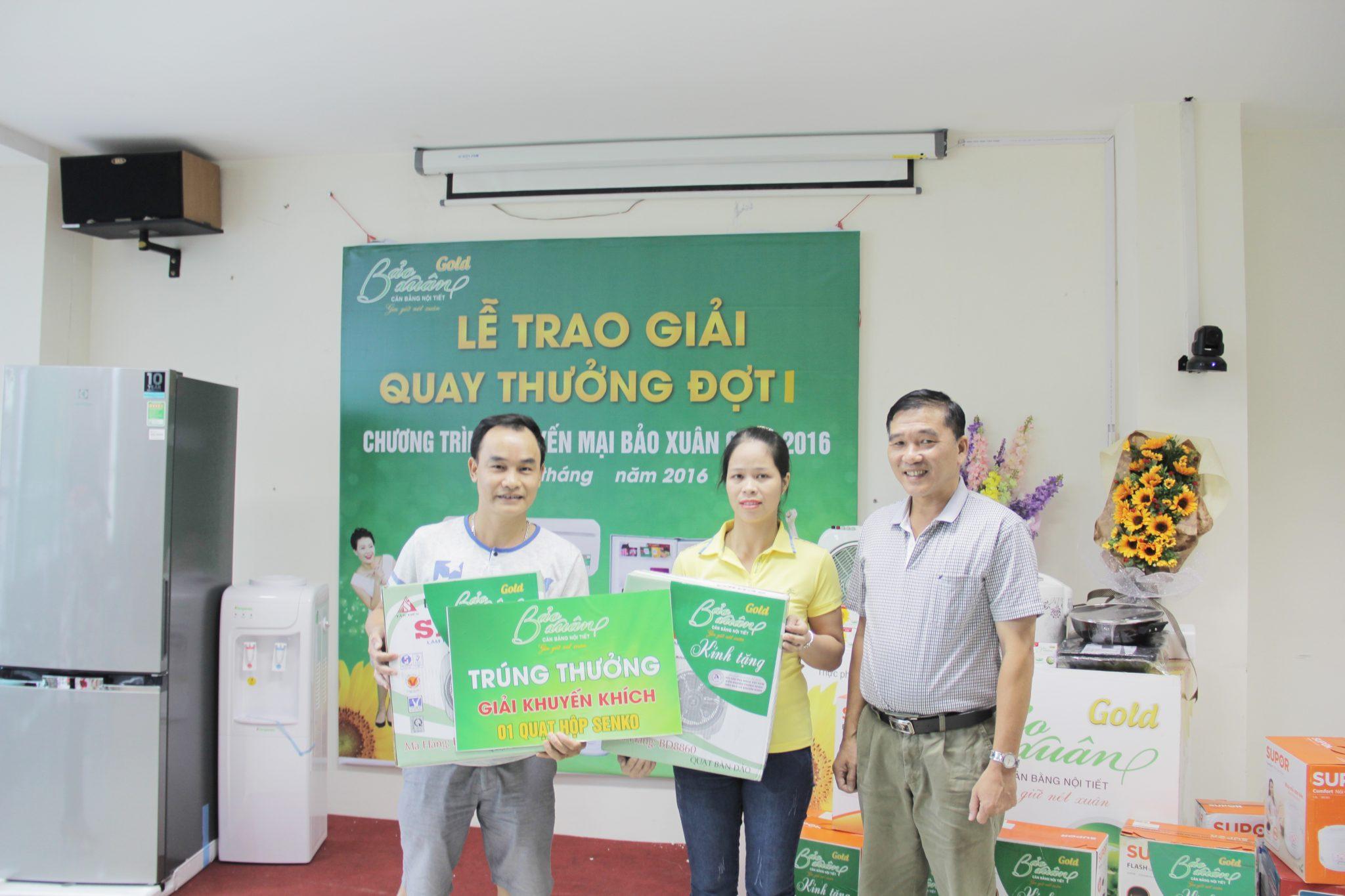 Ong-Hoang-Minh-Cuong-Co-van-tai-chinh-trao-giai-3