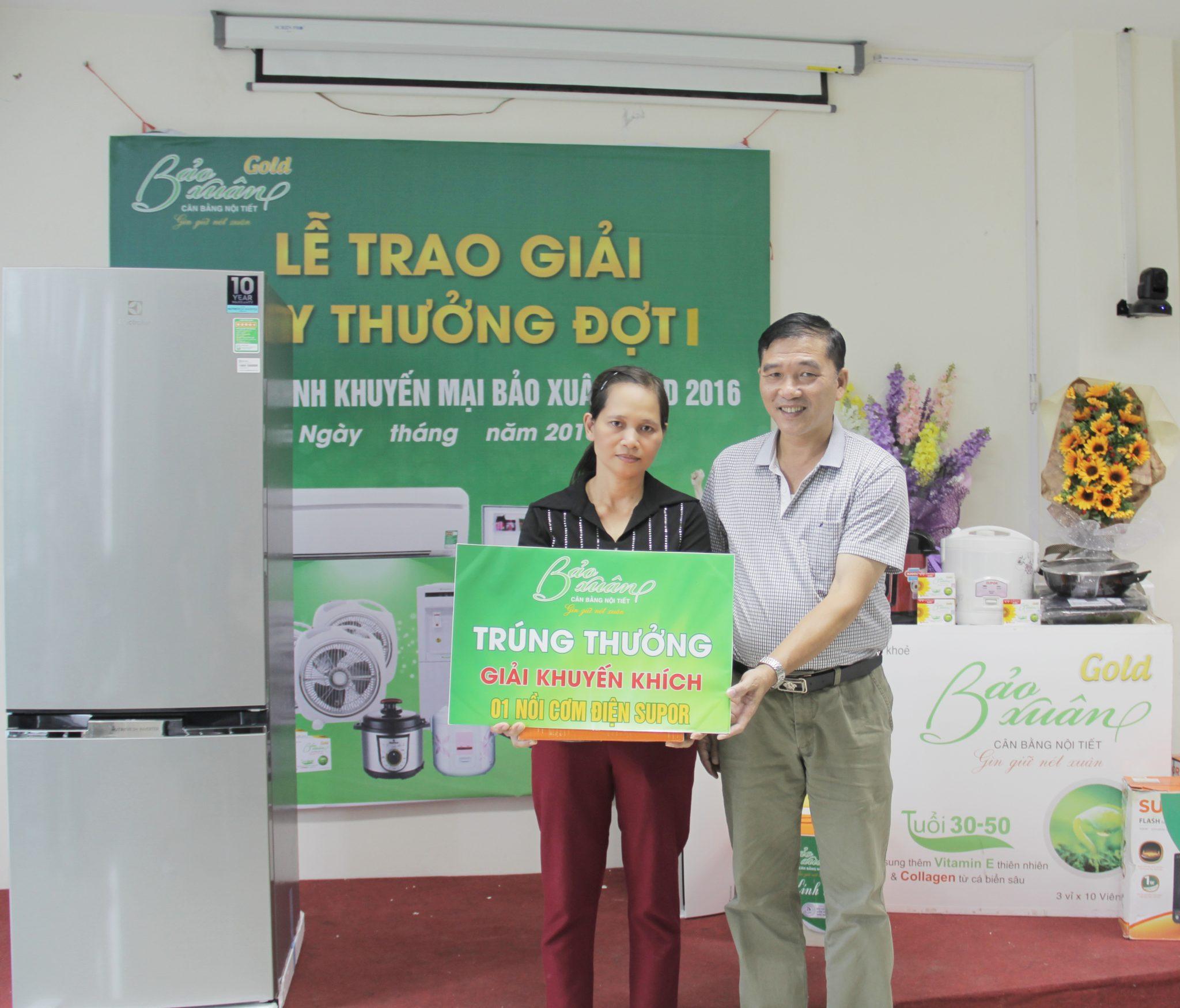 Ong-Hoang-Minh-Cuong-Co-van-tai-chinh-trao-giai-2