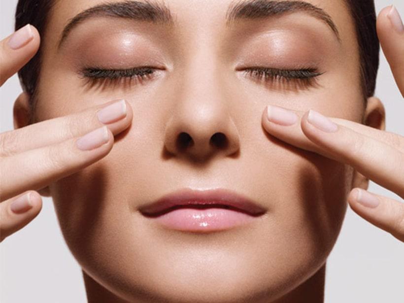 4 Cách làm giảm nếp nhăn ở mắt tại nhà chỉ trong 7 ngày